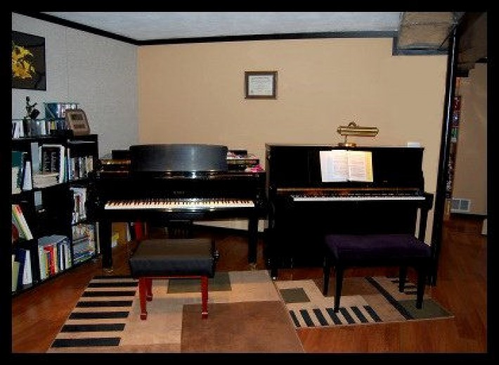 Bond Piano Studio
