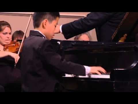 Jason Lin plays Haydn concerto with plano symphony